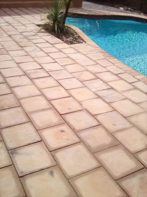 Swimming pool paving 330 x 330 x 50