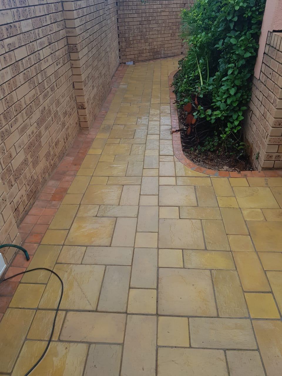 Walkway full, half and quarter paving blocks