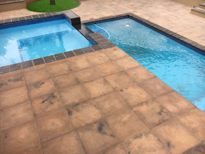 Swimming pool paving