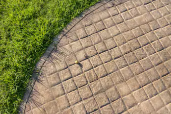 Cobblestone paving pattern